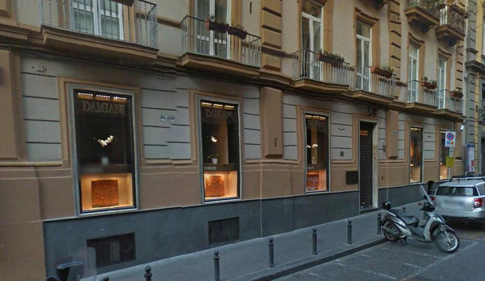 Negozio in Napoli Via Filangieri